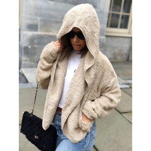 Sweaters - 🆕Dezi Taupe Teddy Faux Fur Plush Cardigan Jacket